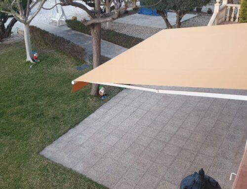 Cómo elegir las mejores telas de toldos para tu terraza