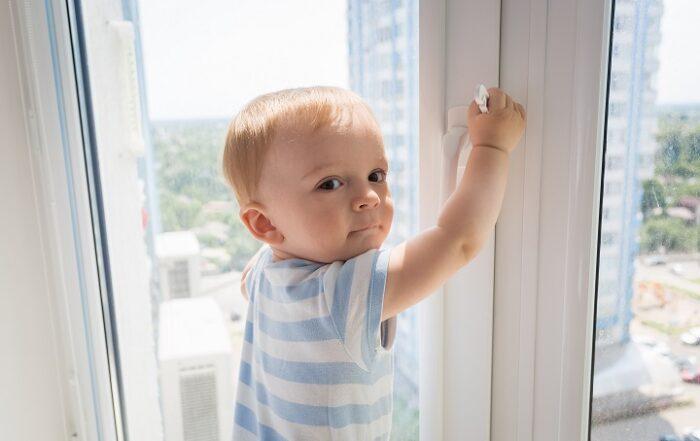Mejorar seguridad en ventanas cerca de niños